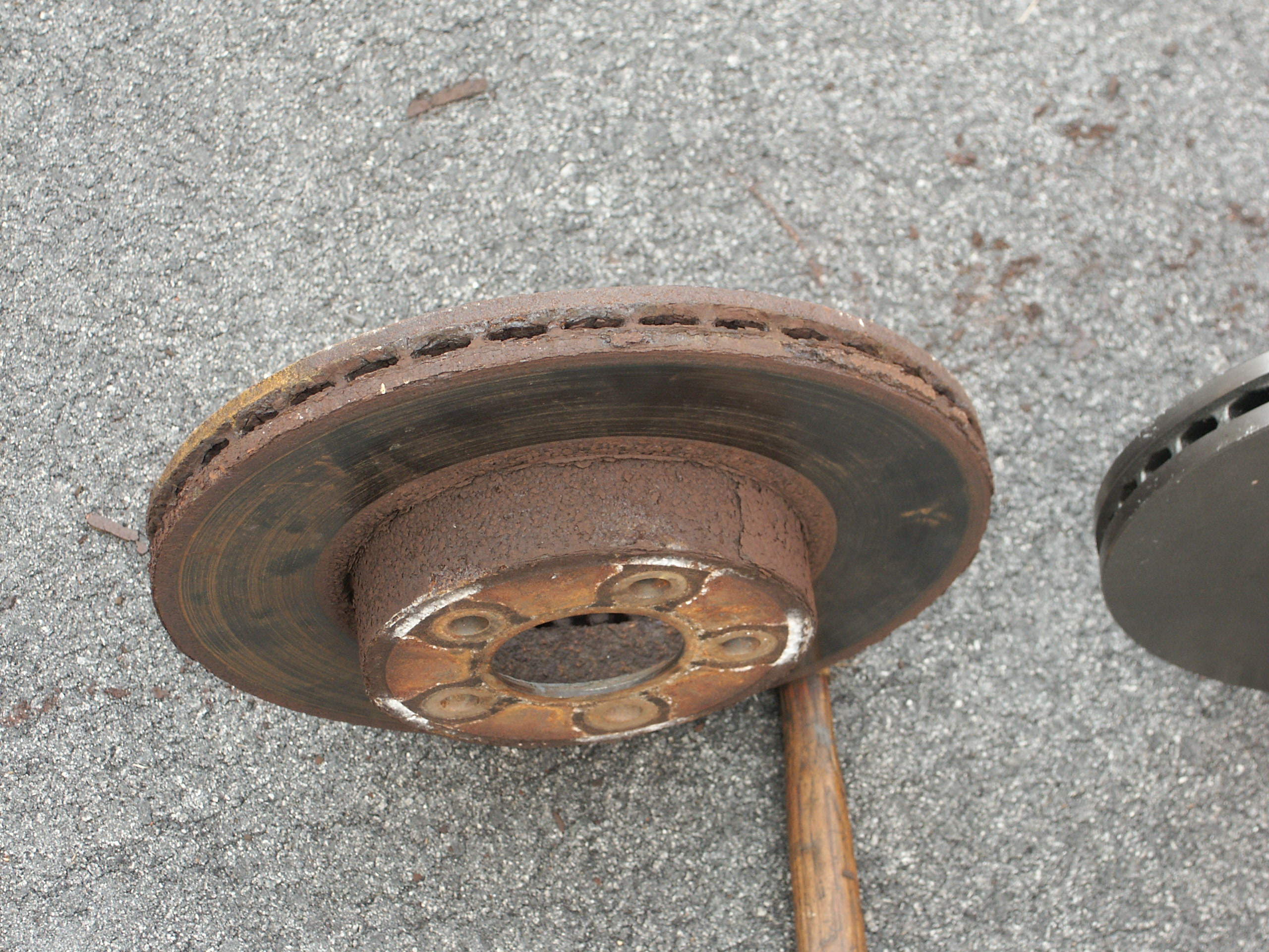 Images Of Bad Calipers : Rusty ford brake rotor pictures