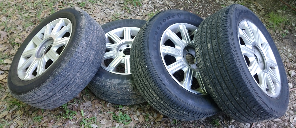 2006 Lincoln Town Car Wheels Tires Set Of 4